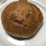 ヨシダベーカリー - 料理写真:クルミのフォカッチャ@180円