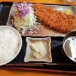 まるいち亭 - ランチ トンカツ定食 1000円