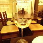もつ焼き・焼鳥・もつ鍋・おでん 串焼き神社 - 高畠ワイン