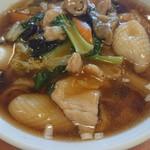 萬来亭製麺所 - 萬来亭 五目麺は細麺でした