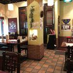 台南担仔麺 - 内観、雰囲気あります。
