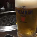 炭火焼肉 友丸 - 生ビール(サントリープレミアムモルツ)