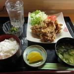 ふる里 - 料理写真:から揚げ定食 1080円 (2018.8)