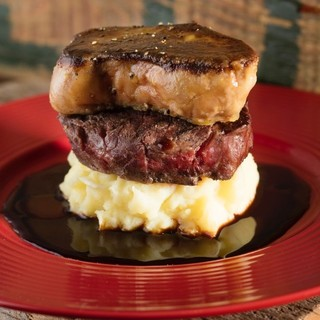 当店名物:希少部位を堪能できる肉料理が充実!