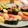 楽座 - 料理写真:特上握りと巻き物ドーン(((o(*゚▽゚*)o)))