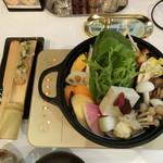 スパイスZen - 単品薬膳鍋「巡り鍋」1,680円