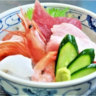 ランチ海鮮丼(数量限定品)丼ぶり一番人気‼