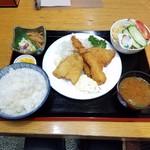 92953989 - ランチ「ミックスフライ定食 (1058円)」