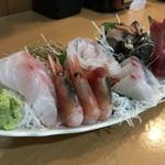堂道 - 料理写真:刺身六点盛