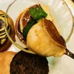 丸福珈琲店 - カラメルソースも美味しい