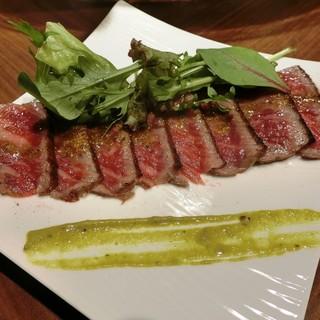 近江牛と季節の食材のチャコールグリルとワインレストラン