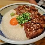中洲ちんや - 肉とろ丼(焼き肉風)