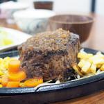 ぶっちぎりステーキ - 料理写真: