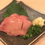 KUSINAKA - 朝〆大山鶏のレバー刺し