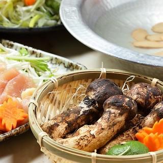 『秋の味覚コース』松茸と軍鶏しゃぶしゃぶ鍋付き3500円
