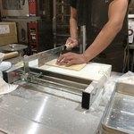麺屋 白神 - 店内で手切り国産小麦アンテナショップ「むぎくらべ」)