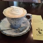 サバ - クリームたっぷりウインナーコーヒー ¥540