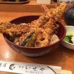 92964872 - 海老穴子丼、内容は穴子、大海老、茄子、蓮根
