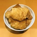とんかつ太郎 - カツ丼はカツ5枚