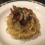 Taverna Mezzanotte - コンフィした秋刀魚と焼き茄子のぺペロンチーノ
