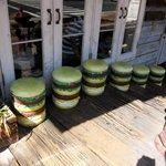 ファイヤーハウス - ハンバーガーが並んでいる