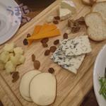 92974397 - チーズ5種盛り  1,404円