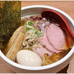 niboshichuukasobasuzuran - 特製鯵煮干そば 1000円 確かに鯵のあるお出汁であります。
