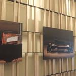 イースト ウィンド - 回廊の絵画