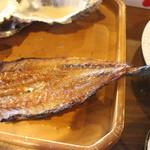 海女小屋はちまんかど・あさり浜 - 牡蠣が駄目な人は魚が用意されます。