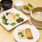 YoTsuBa - ◇「広東飲茶ランチ」◇(点心5点・日替わり主菜・ごはんorお粥・日替わりスープ・サラダ・デザート付き)