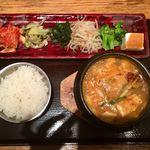 韓国鶏鍋 GOCHU - ランチのスンドゥブ(¥980) ダシダの味が強め