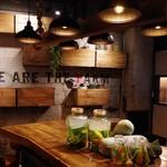 WE ARE THE FARM - WE ARE THE FARM 赤坂|お洒落な店内、デートやおとなの飲み会、食事シーンにぴったり