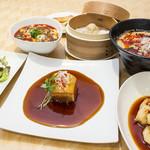 YoTsuBa - 本格的広東料理が味わえるYoTsu BAのランチメ