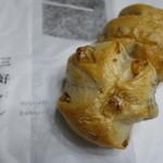 三好パン - くるみパン