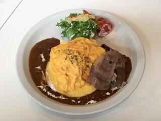 Butter 横浜ベイクォーター - 贅沢 神戸牛 ふわふわオムカレー、ライス大盛り