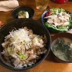 焼鳥 燈 - ねぎ塩豚丼(ランチ)
