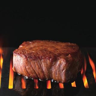 「40日間」熟成した極上の赤身肉をカジュアルにご提供