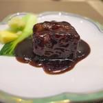 HAMA SYOU - 黒酢の角煮の酢豚。表面はパリッと衣をかけて。その技量はスゴイ!