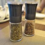 HAMA SYOU - 青山椒と花山椒のミル引きを別にだして下さって。辛さというか痺れの調整。