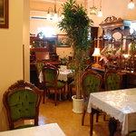 アンティーク・カフェ - イギリスとフランスの本物のアンティーク空間