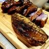 グローブ - 料理写真:特製ダレに漬けたスペアリブ&サバ 自家製燻製