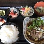 むちゃく - 牛肉のすき焼き風煮=750円