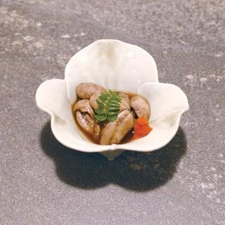 季節料理・一品料理も豊富にご用意。旬の食材を美味しくご提供。