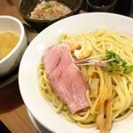 鯛塩そば 灯花 - オマール海老 濃厚つけ麺