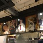 93045046 - 昭和テイストなポスターが貼ってあります。