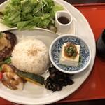さんるーむ - 料理写真:◆ランチプレート、お吸い物付き(1080円:税込)