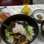 たつの子 - 牛ハラミ丼定食750円