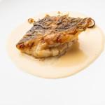 ビストロ・ダルテミス - 白身魚のポワレ 白ワインソース 季節の野菜添え