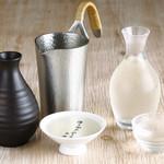 きみまち坂 - 日本酒は、冷酒からお燗酒まで。すべて料理に寄り添う純米酒です。