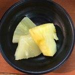 泊いゆまち - デザートのパイナップル